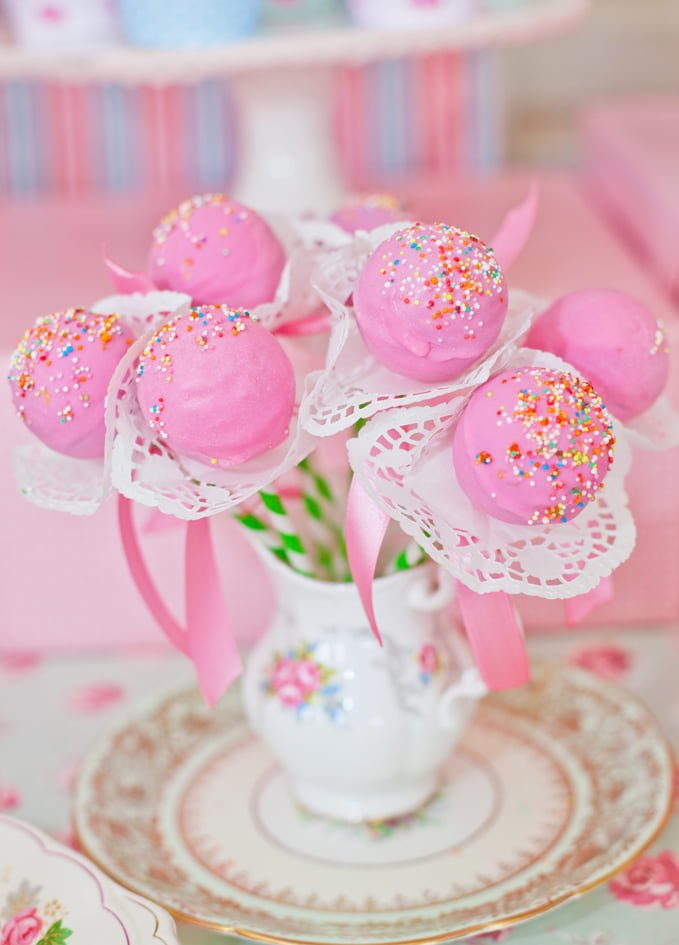 Princess Baby Shower Cake Pops - PinkDucky.com